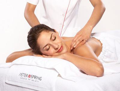 AsterSpring為顧客提供不同UMO納皮皮膚護理系列,滿足不同顧客的需要。
