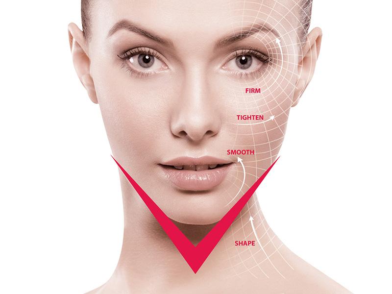 AsterSpring 皇牌療程 V-Lift 瞬間提升緊緻護理,採用德國 Ionto-Sono Effect 變頻超聲波美容,透過變頻技術,發揮肌膚深層與淺層之間的叉修護作用,以非創傷性療程瞬間提升面部線條由 U 變 V